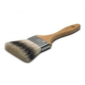 Blød pensel med grævelingehår, også kaldet en grævlingefordriver, med fatning i rustfrit blik