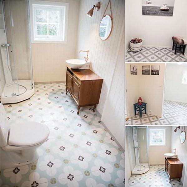 Badeværelse dekoreret med historiske fliser med turkis motiv fra Portugal