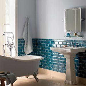 Blå metro vægflise i blå på badeværelse